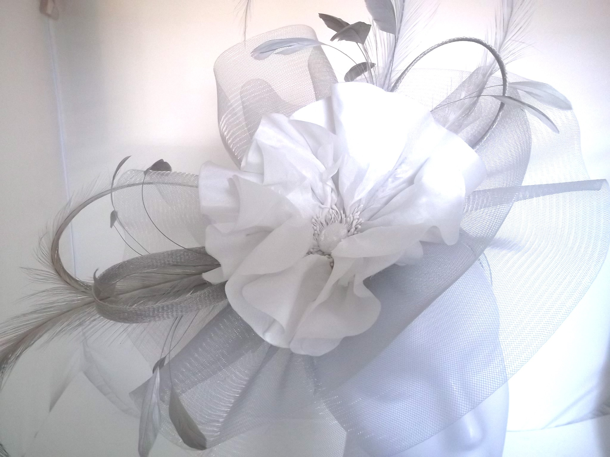 Snoxell Gwyther - Fascinator (Silver/ivory) - Statement Pieces